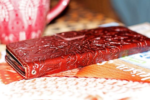 Kožené tzv. knížkové pouzdro na mobil