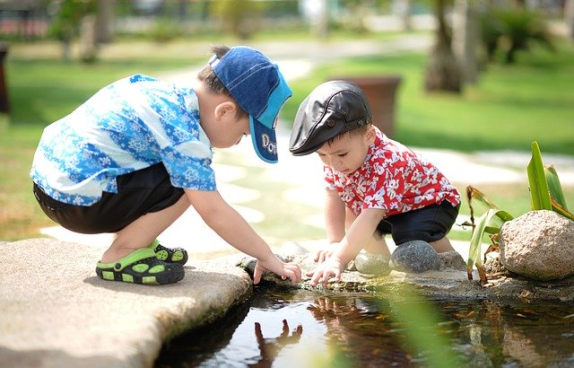Děti si rády hrají spolu
